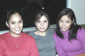 <b>16 de enero de 2005</b> <p>Rocío Salazar, Fernanda Lozoya y Fedra Hernández