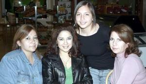 Mayela de Martínez, Martha Llamas, Rosy de Nájera y Mariana Marínez..