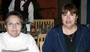 Rosario y Rebeca Armendáriz.