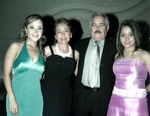 <b>16 de enero de 2005</b> <p> Héctor y Alicia de Jaime , Fernanda y Marcela de Jaime..