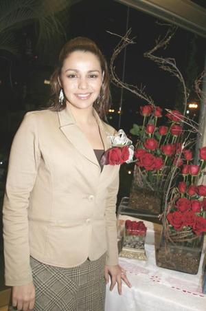 <b>16 de enero de 2005</b> <p> Tania Magdalena  Hernández Rodríguez  en su despedida de soltera