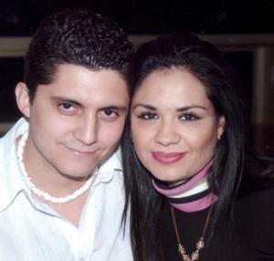 Roberto López Félix y Susana O.  de López.
