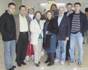 <b>18 de enero de 2005</b> <p> Dominique Bierman, Robbi Baruj  y Daniel Fluckier viajaron a Israel y fueron despedidos por Ricardo , Tabita, Martín, Lucy, Román y Saúl.