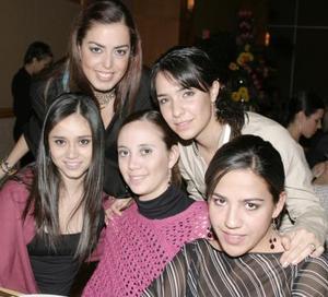 Any Cháidez, Valeria Castro, Adriana Cruz, Fernanda García y Mercedes Orozco.