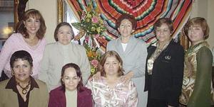 Grupo de enfermeras que festejaron su día.