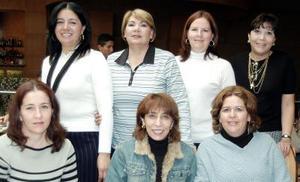 Reunión entre amigas de Guadalupe Zorrilla, Norma Lozano, Tita Orozco, Rosario Soto, Consuelo Zorrilla, Olivia Hernández y Leticia Solís.
