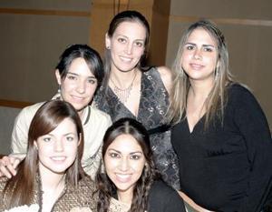Vanessa Flores, Karina Kort, Fernanda García, Alma de Fahur y Sambra de Sandoval .