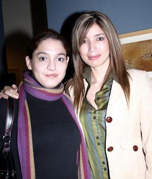 <b>19 de enero de 2005</b> <p> Migdalia Cavazos y Pilar Arce.