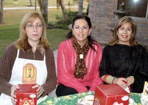 Leny de Gibert, Adriana de Aguilar y Susana de Escobosa .