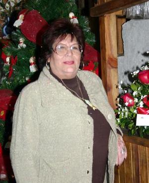 <b>18 de enero de 2005</b> <p> Sra. María Dolores Piedra de León festejó su cumpleaños, con una agradable fiesta