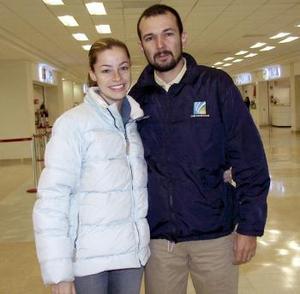 Gilberto Sánchez viajó a Culiacán Sinaloa y fue despedido por Roberta de Sánchez