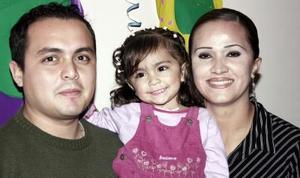 Alejandro Martínez y Jessica Padilla Martínez festejaron a su  hijita Pamela Alejandra Martínez padilla, con motivo de su quinto cumpleaños.
