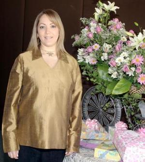Alicia Cárdenas de Torres disfrutó de una linda fiesta de canastilla, que le ofrecieron sus familiares, por el  próximo nacimiento de su bebé.