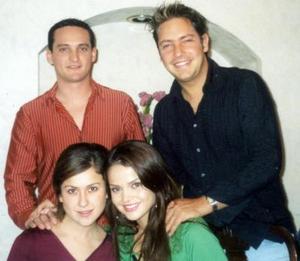 <b>20 de enero de 2005</b> <p> Roberto Carlos y Any Ortiz Navarrete, Jan  y Marisol González Casas, en reciente acto social.