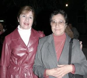 Hermana Oliva y Martha  de González.