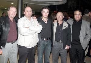 avier Carrillo, Jaime Carrillo, Alberto Carrillo,Óscar Russek Carrillo y Óscar Russek.