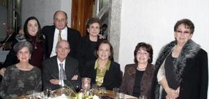 Martha Leal de Máynez, Cecilia Pérez Aguilera, Graciela de Portilla, Raymundo Portilla, Martha Sarabia, Javier Pérez Aguilera, Marthita Marente de Pérez y Rosa María Leal de López.
