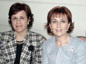 <b>21 de enero de 2005</b> <p> Tere de Belausteguigoitia  y Nena de Fernández.