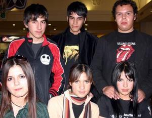 Goretti Nuñez, Michelle Magaña, Grecia Soria, David Rosales, Sho Araiza  y Adán Brito.