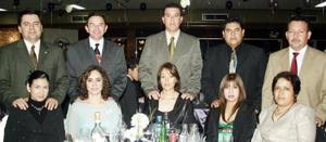 Olinda de Mireles, Carlos MIreles, Mariela de Gómez, Fernando Gómez, Leticia de Chávez, Jorge Chávez, Dora de Valdez, Abel Valdez, Adela Basurto y Enrique Basurto