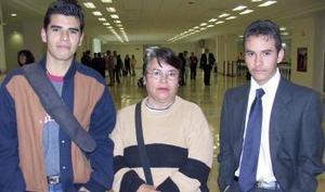 Felipe de Jesús Carrillo viajó a Cancún  y fue despedido  por  Carmen  Ruiz y Alejandro Ruiz.