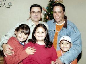 Luisa Valenzuela, Antoniella Alcázar, Andrea Alcázar, Jesús Valenzuela y Eduardo Alcázar.