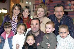 Daniela Aguilera López celebró  su cumpleaños, con una bonita fietsa  en compañía de familiares y amigos.