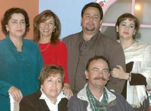 Familia Castellanos en reciente convivio.