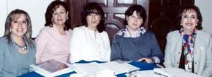 Marisa de Zavala, Susana de González, Lupita de Murra, Marcela de Amarante y Cristina de Kawas.