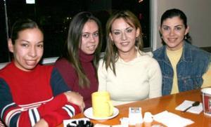Perla Graciano, Silvia Graciano, Jéssica Jiménez y María Elena Villalobos.