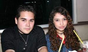 <b>23 de enero de 2005</b> <p> Patricia López e Hiram  Rodríguez.