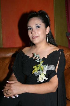 <b>23 de enero de 2005</b> <p> Mónica Talamantes Sánchez disfrutó de una despedida de soltera hace unos díaz