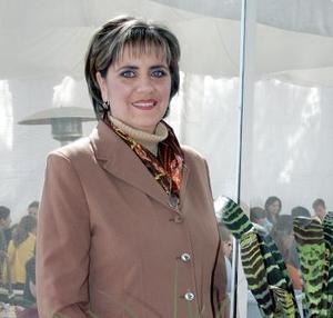 Elena de la Mora Martínez fue festejada con motivo de su cumpleaños.