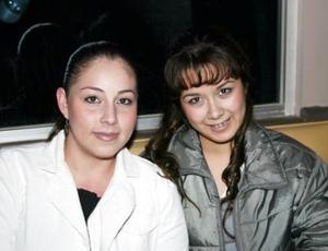 Ana Gabriela Cisneros y Ana María Soto.