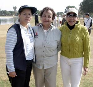 Leticia de Palacios, Raquel de Gutiérrez  y Vicky Madero