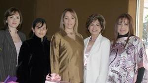 Alicia Esquivel de Cárdenas, Claudia de Álvarez, Daniela González y Yadira de González, le ofrecieron una fiesta de canastilla a  Alicia Cárdenas de Torres.