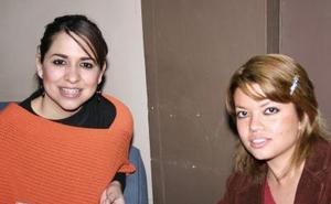 <b>25 de enero de 2005</b> <p> Diana Michel Hernández y Marisela Cano.