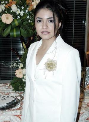 <b>25 de enero de 2005</b> <p>  Karla  Enevy Rodríguez  López  contraera matrimonio con Mauricio Calderón Cadena, motivo por el cual recibió múltiples felicitaciones  en la despedida de soltera que le organizaron.