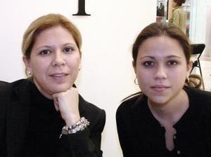 Kathy de  Pancardo y Paola Pancardo