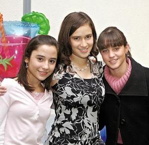 Nancy, Josie y Marina