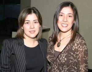 Ángeles García y Nancy García de Ruiz..