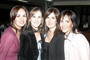 <b>28 de enero de 2005</b> <p> Miriam Martínez Guzman junto a su hermanas Aurora M. de Ahnert, Liliana M. de Cabranes y Lucía M. de Gómez