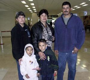 <b>29 de enero de 2005</b> <p> Leticia, Maribel, Pedro Landeros y Edgar Zapata viajaron a Tijuana.