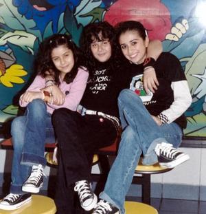 Abril Castro Muñoz, Azucena Alejandra Acevedo Muñoz y Claudia Muñoz Robles