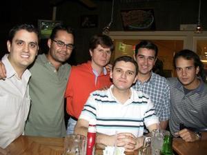 Jorge Nieto, Enrique Galindo, Alan Barrantes, Agustín Prieto, Memo Mesta, y Piero Vento