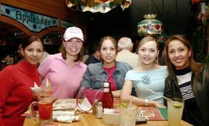<b>30 de enero de 2005</b> <p> Úrsula Orduña, Sugey Reyes, Lorena Arias, Rosy Ramos y Karla Arias