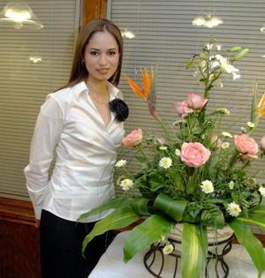 <b>30 de enero de 2005</b> <p> Sofía Ramos Aldape  contraerá matrimonio el próximo 12 de febrero con Hugo Alberto Tovar Velazco, motivo por el cual le ofrecieron una despedida de soltera hace unos días