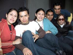 Áugeda Lamas, Polo Reyes, Ale Lozano, Héctor Magallanes, Ana Soto y César Arreola