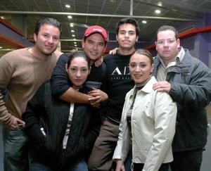 Roger García, Kike Galindo, Dora Híjar, Hans Backmann, July Morales y Diego del Valle.