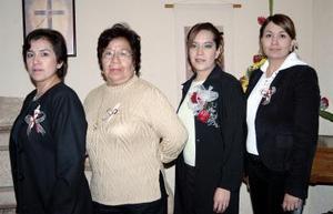 Georgina Briones Morales contraerá matrimonio con Juan Martín Lomas Camacho el próximo cinco de febrero y por ello disfrutó de una despedida de soltera.